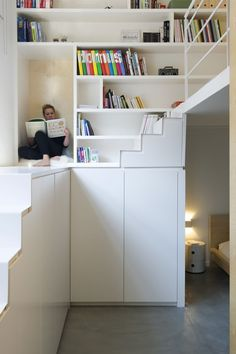 In pictures: 14 inspiring (and very practical) stairs - I& going to build - - Bedroom Decor For Small Rooms, Tiny Spaces, Tiny House Design, Small Space Living, Interiores Design, Interior Design Living Room, Interior Architecture, Home Decor, Inspiring Pictures