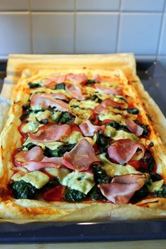 Dutch Recipes, Great Recipes, Savory Tart, Oven Dishes, Hawaiian Pizza, Lunches, Vegetable Pizza, Foodies, Delish