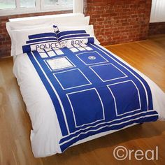 Doctor Who TARDIS Bed Set