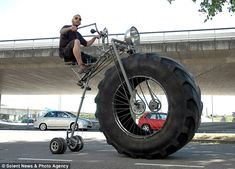 @Ashley Bush this is the bike i want. we should get these and wear that helmet with it.