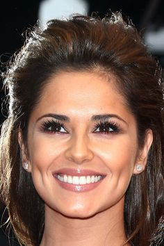 Cheryl Cole 33 Before And After Photos That Prove Good Teeth Can Change Your Entire Face After Celebrity Teeth, Celebrity Smiles, Celebrity Makeup, Beautiful Teeth, Perfect Teeth, Good Teeth, Lipstick For Fair Skin, Smile Makeover, Teeth Makeover