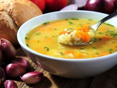 Soupe d'hiver aux 5 légumes : Recette de Soupe d'hiver aux 5 légumes - Marmiton Crock Pot Recipes, Ww Recipes, Slow Cooker Recipes, Soup Recipes, Cooking Recipes, Healthy Recipes, Recipies, Healthy Soups, Healthy Lunches