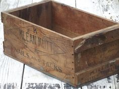 Incredbly primitive old wood box, wooden packing crate store display for nails & tacks - Best Decoration ideas for the home Old Wooden Boxes And Crates, Vintage Crates, Wood Boxes, Vintage Wood, Rustic Wood Floors, Grey Wood Floors, Dark Wood Stain, Wood Box Decor, Diy Wood Shelves