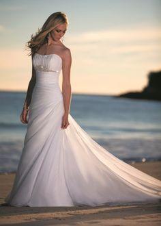 Stylish Beach wedding Dress