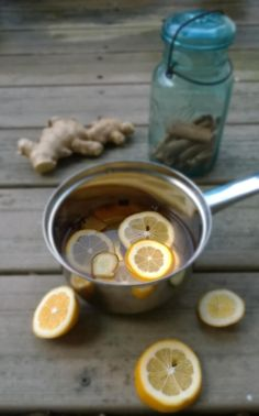 Scratch Mommy shares DIY Simmering Potpourri Recipes in three scents- Apple Cider Chai, Apple Cinnamon and Ginger Orange. Perfect for holiday entertaining. Dried Orange Peel, Dried Oranges, Dried Apples, Cinnamon Apples, Simmering Potpourri, Potpourri Recipes, Apple Peel Recipe, Apple Cut, Apple Season