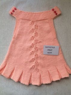Easy And Stylish Leaf Pattern Making Childrens Gilet. Knitting For Kids, Baby Knitting Patterns, Crochet For Kids, Blouses For Women, Sweaters For Women, Spring Blouses, Crochet Blouse, Baby Cardigan, Baby Sweaters