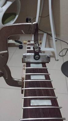 Homemade... press fret Guitar Crafts, Guitar Diy, Cool Guitar, Cigar Box Projects, Classical Acoustic Guitar, Guitar Neck, Cigar Box Guitar, Guitar Building, Guitar Design