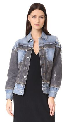 ¡Consigue este tipo de chaqueta vaquera de Moschino ahora! Haz clic para ver los detalles. Envíos gratis a toda España. Moschino Denim Jacket: This pieced, two-tone Moschino jean jacket is finished with soft, fringed trim. Polished silver-tone buttons fasten the placket, and patch pockets detail the front. Long sleeves. Unlined. Fabric: Stretch denim. 98% cotton/2% elastane. Hand wash or dry clean. Made in Italy. Measurements Length: 23.5in / 60cm, from shoulder Measurements from size 38…
