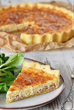 Quiche Lorraine - ein Klassiker der französischen Küche. Das Rezept dazu gibt es auf dem Blog. Mit einem Salat das perfekte Mittagessen