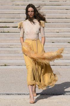 Nina Ricci Spring 2018 Fashion Show - The Impression Very Skinny Girls, Teen Fashion, Fashion Show, Sheer Clothing, Latest Fashion Trends, Ideias Fashion, Outfits, Night Wear, Women