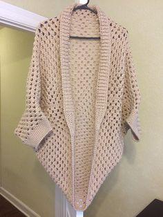 Ravelry: Project Gallery for Movie Night Cocoon Cardi pattern by Alexandra Tavel Crochet Cardigan Pattern, Crochet Jacket, Crochet Blouse, Crochet Scarves, Crochet Shawl, Crochet Clothes, Knit Crochet, Gilet Kimono, Crochet Cocoon
