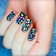 Holographic shattered glass nails #nailart