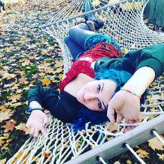Paradise is a state of mind.  #autumn #photography #alternativemodel #model #mermaid #dyedgirls #dyeddollies #fashion #fashionista #transgender #tranny #instafashion #instabeauty #gaugedgirls #leaves #hammock #hammocklife #artist #creativity #ravegirl #edmgirl #edmsinger #supermodel #tallgirls #androgynous #nextbigthing #edmartist by @morrahmermaid