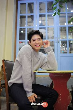 Park Bo Gum - answer to my prayers. Park Bo Gum Lockscreen, Park Bo Gum Wallpaper, Korean Star, Korean Men, Asian Actors, Korean Actors, Park Bo Gum Cute, Park Bo Gum Abs, Park Bogum