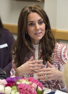 Kate Middleton Photos Photos - Catherine, Duchess of Cambridge during a visit to Sheway, a charity that helps vulnerable mothers battling issues such as addiction, during their Royal Tour of Canada on September 25, 2016 in Vancouver, Canada. - 2016 Royal Tour to Canada of the Duke and Duchess of Cambridge - Vancouver, British Columbia