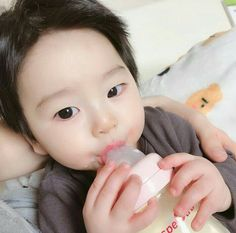 Cute Asian Babies, Korean Babies, Asian Kids, Cute Babies, Cute Baby Boy, Cute Little Baby, Little Babies, Baby Kids, Baby Tumblr