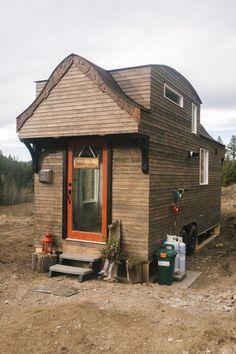 小屋裏収納は、絨毯