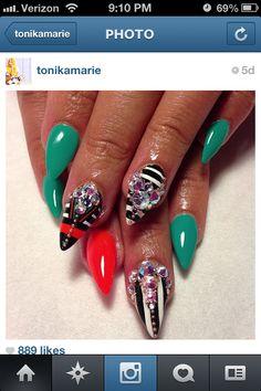 Green and stripes junk nails