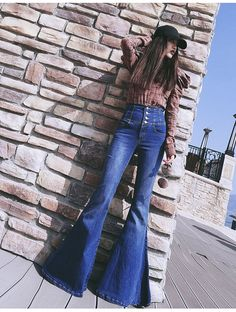 Those jeans 70s Fashion, Fashion Beauty, Womens Fashion, Bell Bottom Pants, Bell Bottoms, Wide Leg Jeans, Skinny Jeans, Concert Outfit Summer, 70s Style