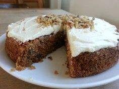 This carrot cake with walnuts recipe comes from the amazing chef Yotam Ottolenghi. It& a nice light cake with spices and a delicious cream cheese icing