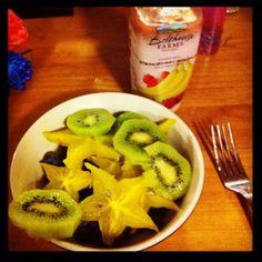 Kiwi, star fruit, blueberries