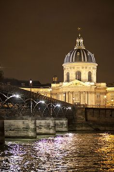 Paris Photo Tour Itinerary Samples - Better Travel Photos (photo by Nadia Gric)