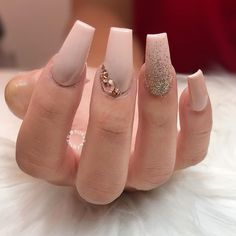 #peach #glitternails #swarovski #crystals #manicure #weddings #weddingnails #nailart #naildesigns #bridalnails
