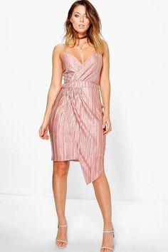 f0381e82cec9c 36 Best /Birthday party dresses images   Boohoo, Evening dresses ...