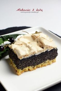 Makowiec z bezą na kruchym cieście (a właściwie półkruchym, jeśli mam być dokładna) to ciekawa alternatywa dla tradycyjnego makowca Cake Recipes, Dessert Recipes, Cheesecake, Poppy Seed Cake, Polish Recipes, Christmas Cooking, Cookie Desserts, How To Cook Chicken, Yummy Treats