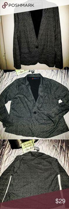 🅿️🆕️Indigo Poppy🖤Button Blazer Size 3X Indigo Poppy  NWOT Black button blazer Indigo Poppy Jackets & Coats Blazers