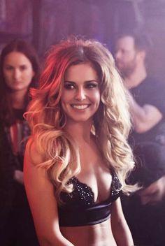 Cheryl Cole dat hair again!