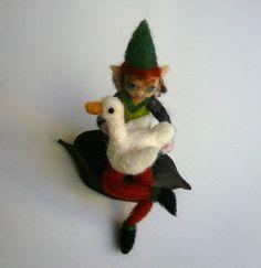 Little elf with his goose/OOAK/Needlefelted Elf by ElinasArtShop