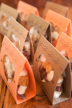 Adorable idea for s'mores wedding favors - so unique! Free design too! - April 13 2019 at Wedding Favors And Gifts, Wedding Keepsake Ideas For Guests, Candle Wedding Favors, Candle Favors, Wedding Keepsakes, Wedding Ideas, Wedding Locations California, California Wedding, Printable Designs