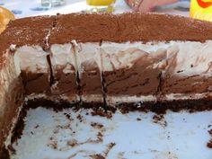 Csokoládéhabos mámor, liszt nélküli sütemény, nagyon habos és nagyon csokis, édes mámor! :)