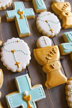 First Communion Cookie Set for Tony - Bake at Menu Communion, Faire Part Communion, Boy Communion Cake, First Holy Communion Cake, Communion Party Favors, First Communion Decorations, Communion Dresses, Baptism Party, Cross Cookies