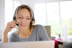 Looking for a bilingual work at home job? Bilingual jobs can range from translation and interpretation to working in a virtual call center. Counseling Degree, Zoom Video Conferencing, Ken Blanchard, Easy Online Jobs, Web Business, Business Tips, Who Book, Job Work, Work From Home Jobs