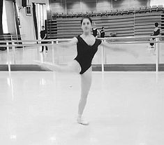 "balletomanegirl: ""tokyoballetomane: "" kingdomoftheballerino: "" Hannah Bettes "" Who is she? "" Hannah Bettes, student at the Royal Ballet School. Ballet Gif, Ballet Dancers, Ballerinas, Shall We Dance, Just Dance, Royal Ballet School, Flexibility Dance, Dance Like No One Is Watching, Alvin Ailey"
