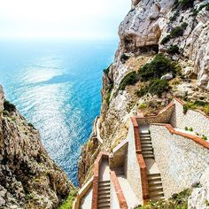 A Sardinia Saturday...  This stairway leads to Neptune's Grotto a magnificent stalactite cave discovered by local fishermen in the 18th century. I think I'm in love haha.  . . . . . #travelinspiration #sardinia #capocaccia #neptunesgrotto #stairways #alghero #italy #europe#travelingram #amazingplanet #travel #discoveryourplanet #travellink