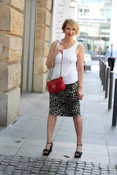 Outfit for hot temperatures: Tank, Pencil Skirt