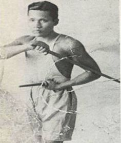 """Grandmaster Floro Villabrille , undefeated in over than 100 full contact hardwood (Juego Todos) """"Death Matches"""" in the Philippines and Hawaii! Fight Techniques, Martial Arts Techniques, Artiste Martial, Stick Fight, Bruce Lee Martial Arts, Jeet Kune Do, Filipino Culture, Martial Artists, Island Nations"""