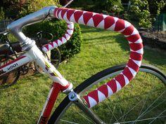 Gorgeous diamond weave handlebar tape/wrap.