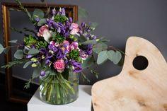 buket-fioletovii-rozi-orchideya