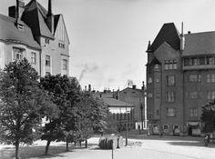Kasarmitori, Fabianinkadun ja Pohjoisen makasiinikadun kulma.