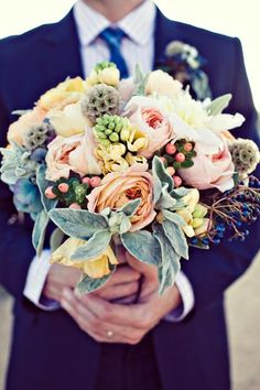 This is probably one of my favorite bouquets I have seen yet! Pastel colors are not just for spring but a perfect color combo for a fall wedding!