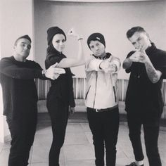 PVRIS. Look at her muscles! :O