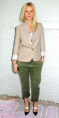 Love the cut of the blazer. Not mad about the shoes. Looks like two bandages are cutting across her ankles.