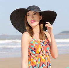 Wide brim straw hat for women UV protection summer wear