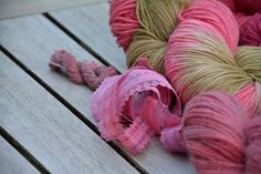 Olann: dyed with cocheneal and dock-seeds
