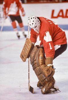 Hockey Goalie, Ice Hockey, Nhl, Canada Cup, Hockey Room, Goalie Mask, Nfl Fans, Hockey Cards, National Hockey League