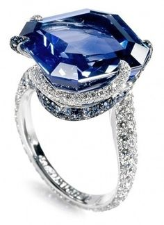 Sapphire right hand ring